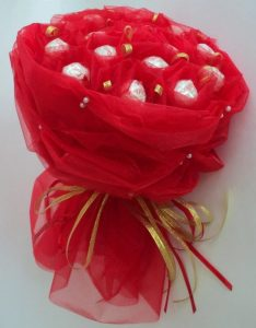 Букет из шоколадных конфет (Красный)