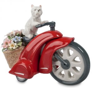 Собака на мотоцикле. Фарфор.