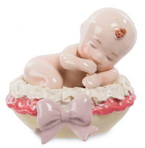 Малышка в люльке-фарфор