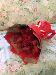 Букет из свежей клубники